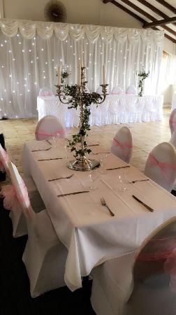 Hardstoft, UK: Wedding at the shoulder