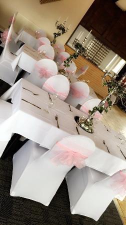 Hardstoft, UK : Wedding at the shoulder