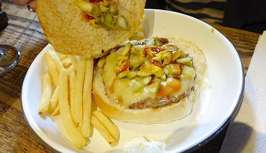 County Durham, UK: Jalopeno Burger 4oz