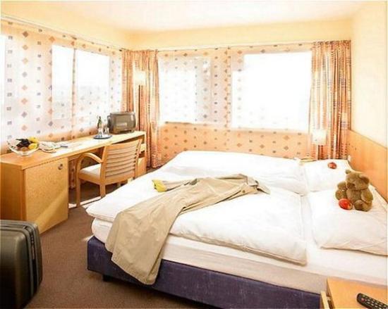 TOP Hotel Neuhaus: Room