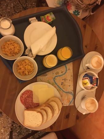 بالداسيني: breakfast