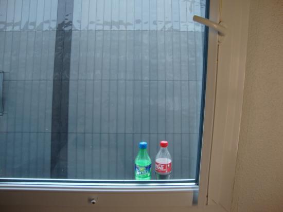 Nossa geladeira fora do quarto hehe photo de hotelf1 - Hotel formule 1 paris porte de chatillon ...