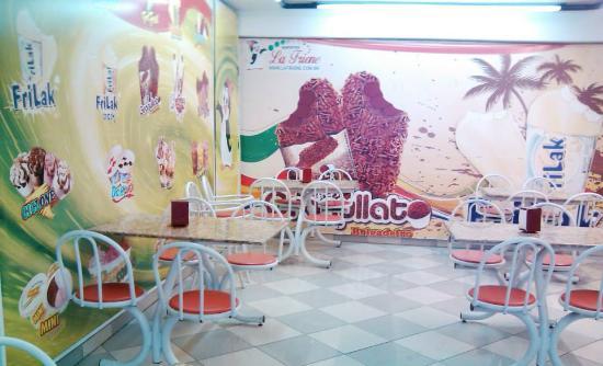 Francisco Morato, SP: Espaço superior da sorveteria