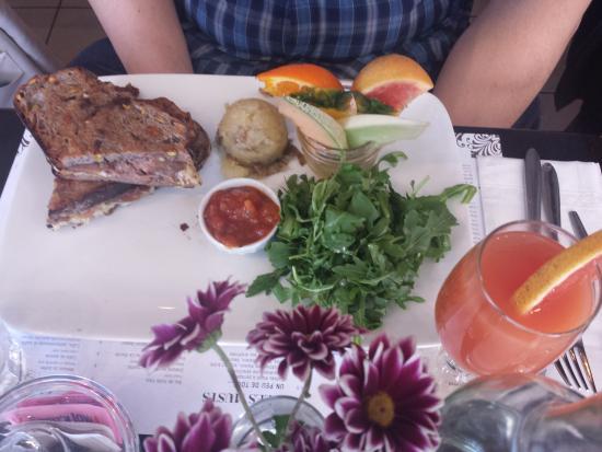 Regine Cafe Reviews