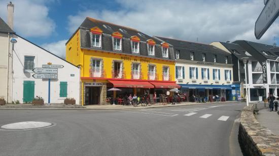 Hotel Vauban : L'albergo è quello bianco e blu