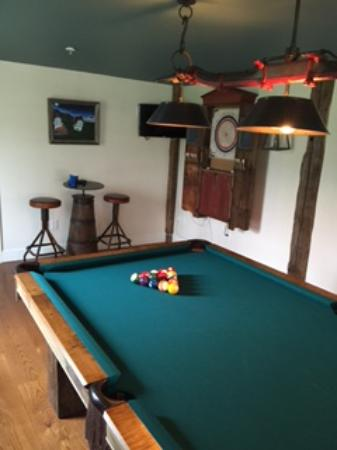 Arlington, VT: game room