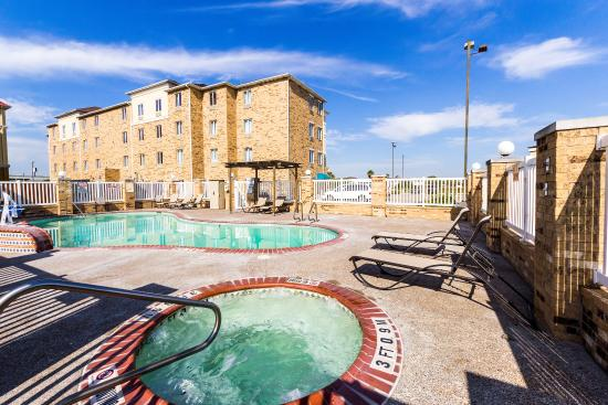 Comfort Suites Central: Pool