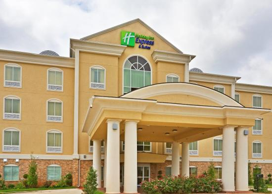 Holiday Inn Express Hotel & Suites Denison North: Hotel Exterior