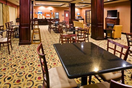 Denison, TX: Breakfast Bar