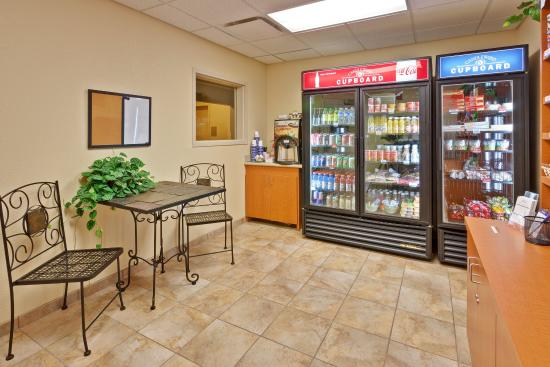 Candlewood Suites Paducah: Candlewood Cupboard with items for guest purchase.