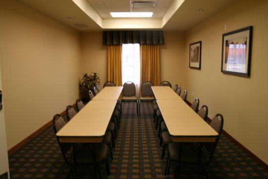 la junta chat rooms A king room at the hampton inn la junta featuring our signature bedding, flat screen tv, and free wireless internet access enjoy rooms with 2 queen beds.