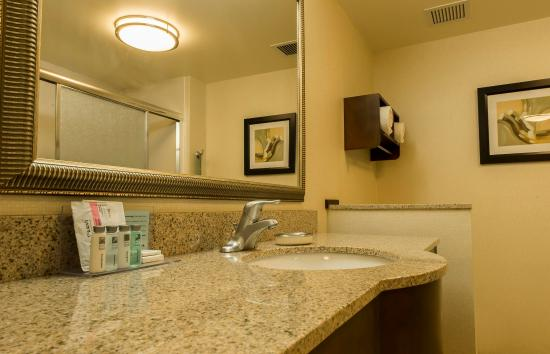 Presque Isle, Мэн: Standard Bathroom