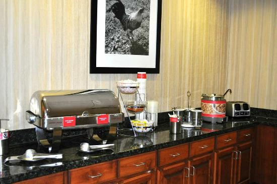 Hampton Inn & Suites Exmore - Eastern Shore: Breakfast Area