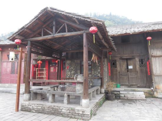 Tianlong Ancient Castle : In the main street.