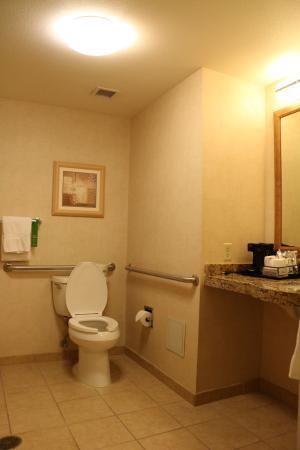 Фотография Hampton Inn & Suites Highland