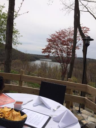 Brewster, NY: lunch with a view