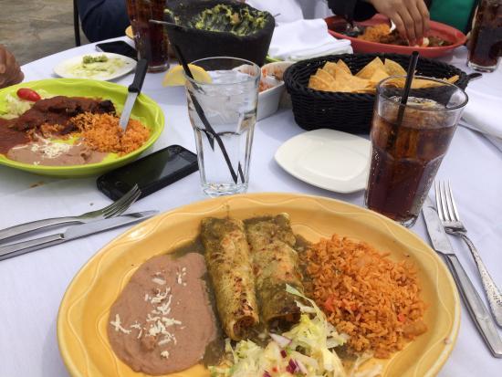 Brewster, NY: enchiladas were just ok