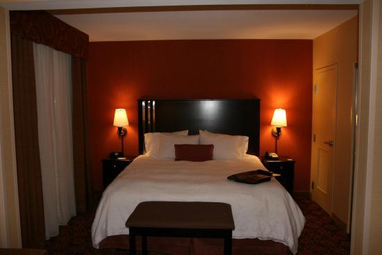 Blackwood, NJ: Whirlpool Room Bed