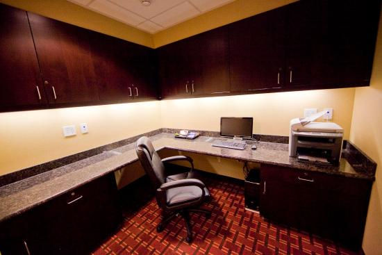 Hampton Inn & Suites Seattle Kent: Business Center