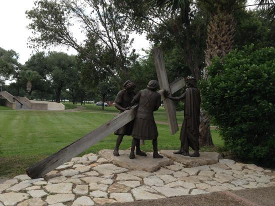 San Juan, TX: Station of the Cross
