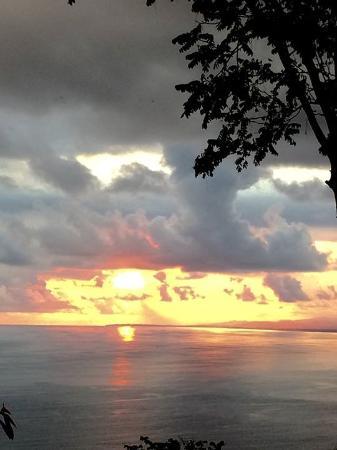 Tours Your Way: Sunset at Manuel Antonio