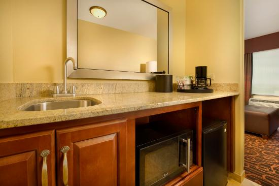 Hampton Inn Amp Suites Selma San Antonio Randolph Afb