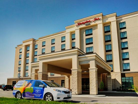 Hampton Inn by Hilton Winnipeg Airport/Polo Park : Hotel Exterior