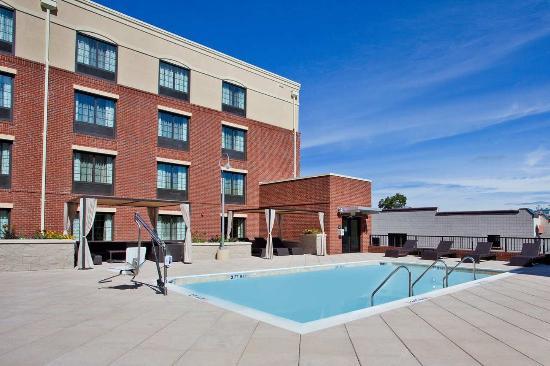 Carrboro, Carolina del Norte: Outdoor Swimming Pool
