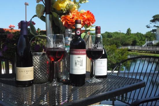 La Dolce Vita: Vino on the deck