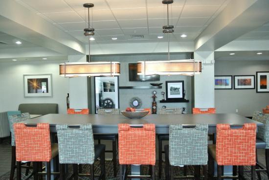 Carrizo Springs, TX: Lobby Big Table
