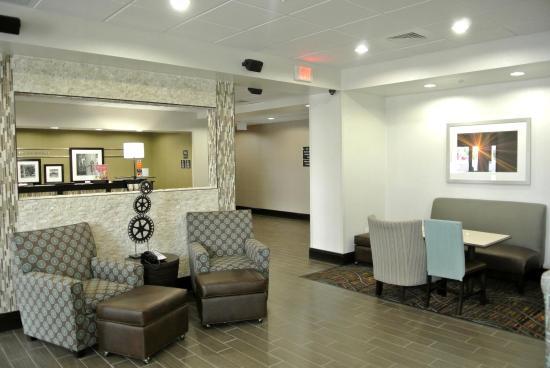 Carrizo Springs, TX: Lobby Seating