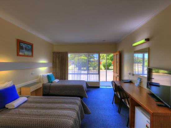 Beachway : Double/Single Room