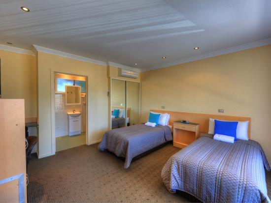 Beachway : Twin Single Room