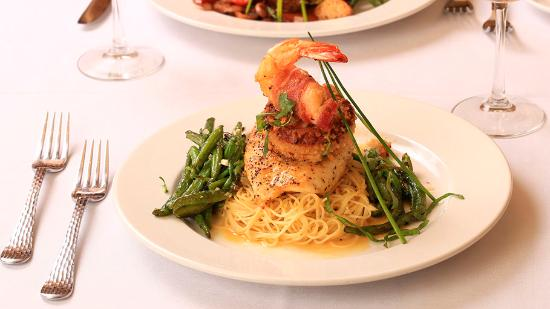 Amore Ristorante Italiano: Blackened Grouper, Crabcake, and Gulf Shrimp
