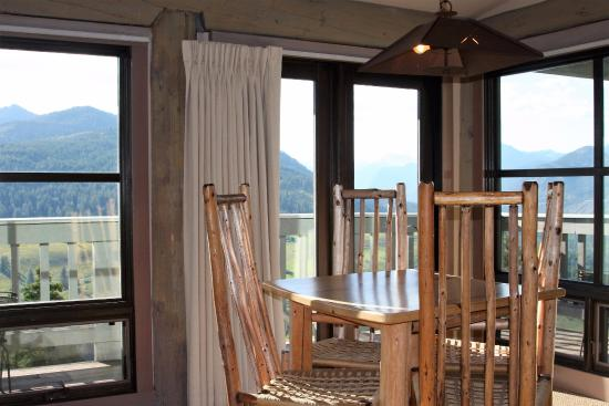 Sun Mountain Lodge: View from Gardner Suite