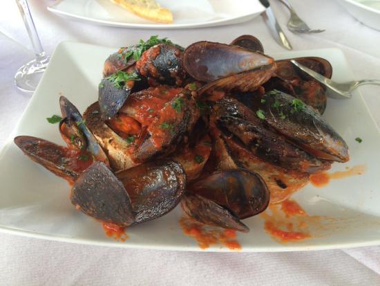 Sale e Pepe : Mussels Marinara