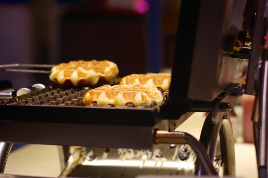 Liege - Traditional Belgian Waffles (Broadway)