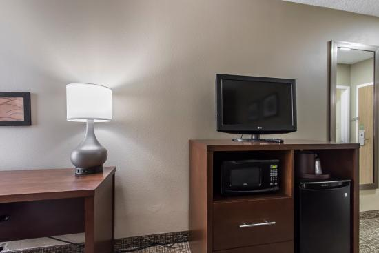 Comfort Inn: Microwaves & mini-fridges offer guests endless food & drink options.