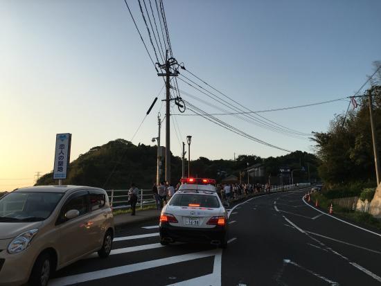 Genkai-cho, Japón: 交通整理でパトカーも出動