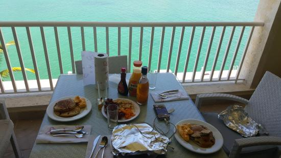Breakfast from the terrace alsol luxury village punta for Breakfast terrace