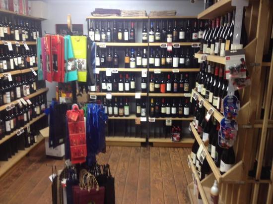 Front Street Market: excellent wines