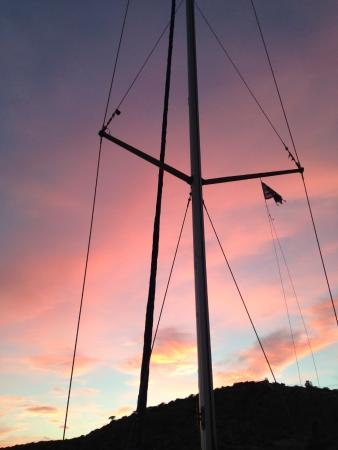 Naoussa Sailing Team: cycladic sailing trip
