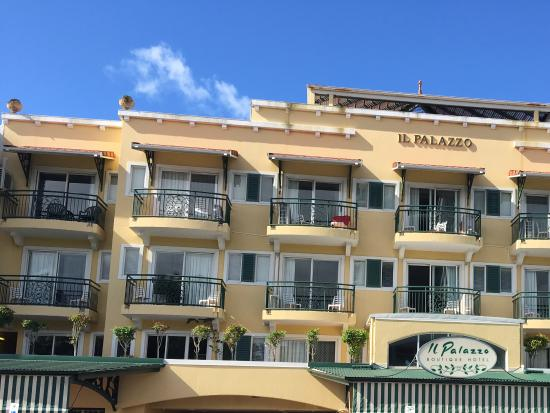 Il palazzo boutique apartments hotel cairns hotel for Top boutique hotels queensland