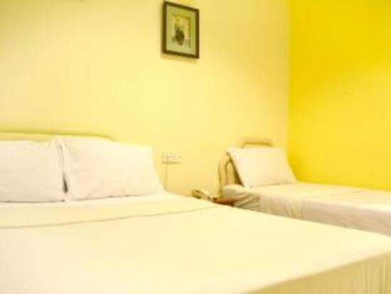 Sun Inns Hotel Equine Park : Family Room