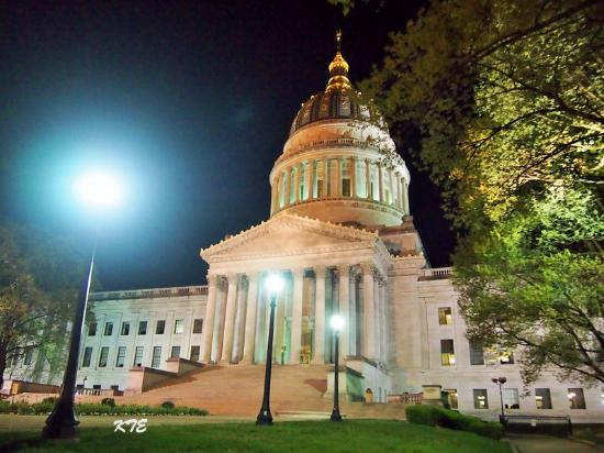 Charleston, WV: The state capitol in the night