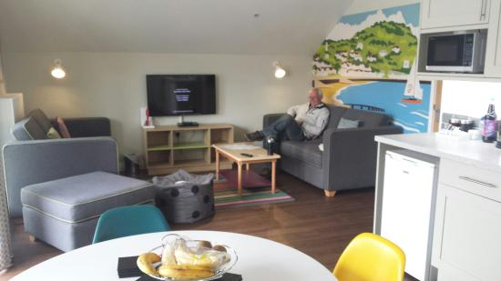Butlin's Minehead Resort: Kitchen/lounge area - lovely and clean
