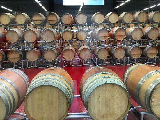 Simrishamn, Σουηδία: Nya ekfat för lagring av ett begränsat urval av vin.