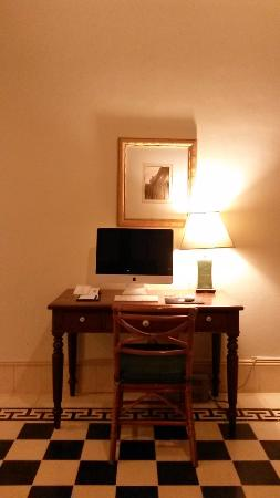 Raffles Grand Hotel d'Angkor: Modern technology meets the old furniture