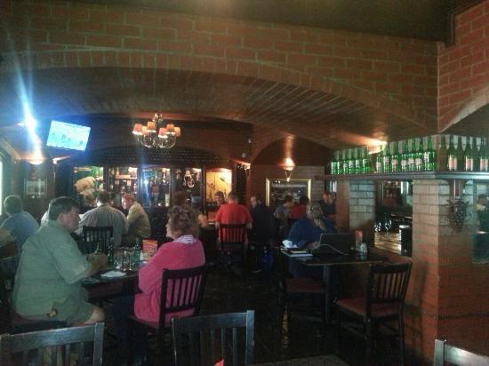 Dros Hatfield Restaurant: Great vibe at Hatfield Dros