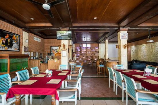 Legian Village Hotel: Restaurant